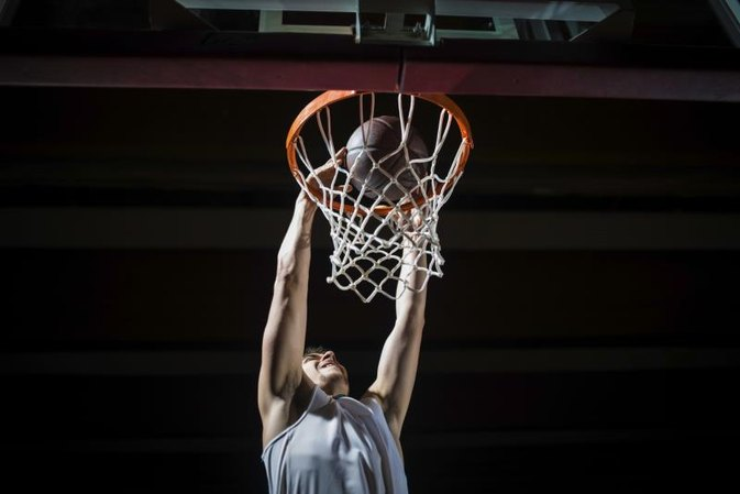 What Are the Duties of a Professional Basketball Player?