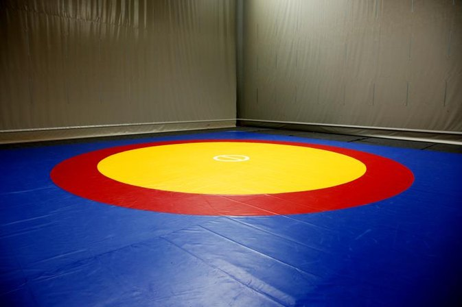 What Are The Dimensions of a Wrestling Mat?