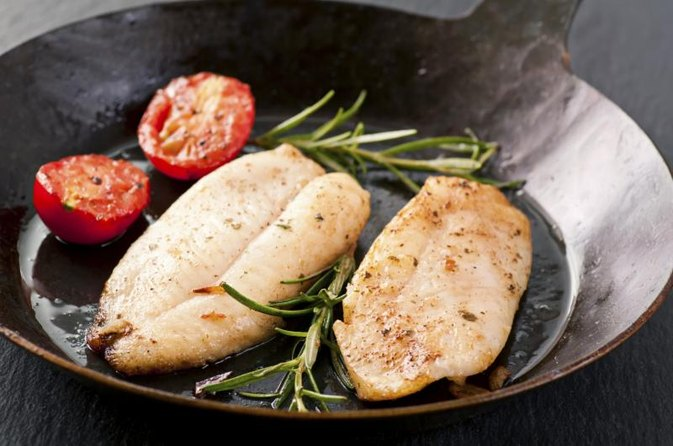 How to Cook Flounder Filet in a Pan