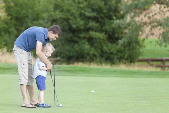 The Best Ways to Teach Your 4-Year-Old Son to Play Golf