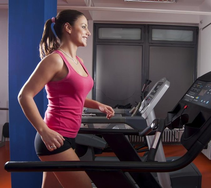 Can Walking on the Treadmill Tone My Legs and Butt?