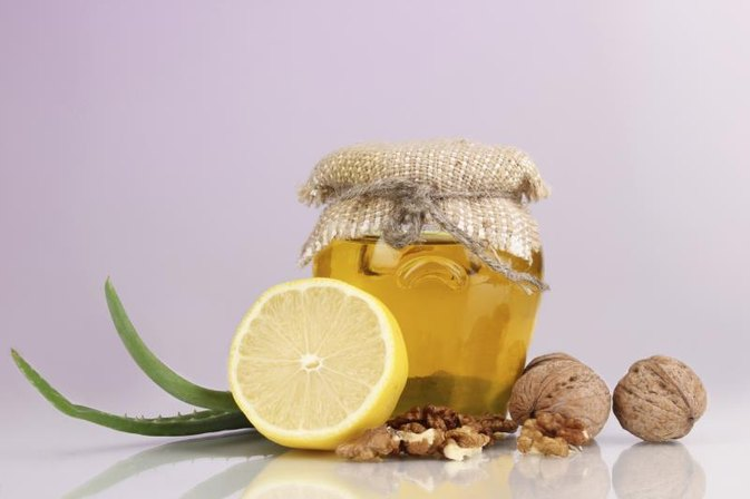 Benefits of Drinking Honey & Aloe Vera