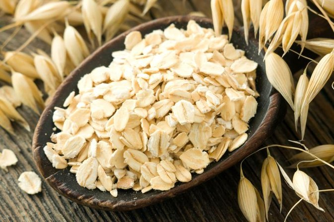 Is Eating Uncooked Oatmeal Healthy?