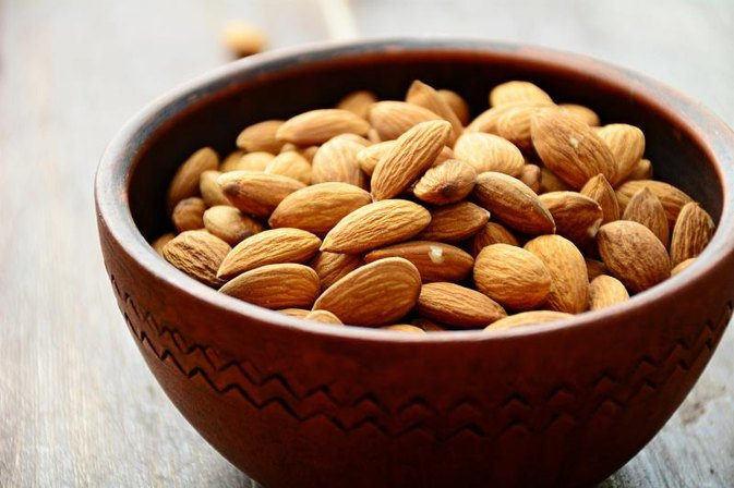 Can I Eat Almonds if I Have Peanut Allergies?