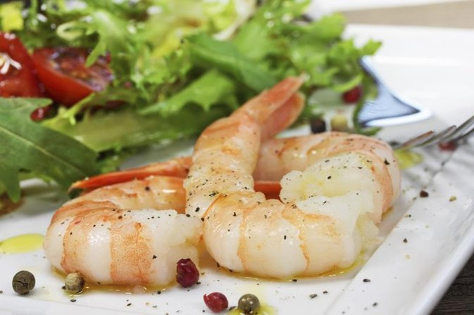 How to Cook Tiger Prawns With the Shells on