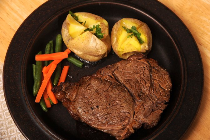 How to Bake Rib Eye in the Oven