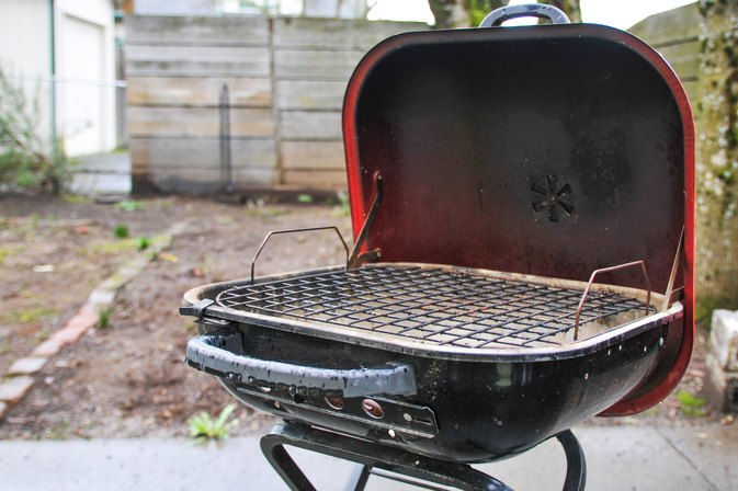 how to smoke fish on the weber grill livestrong com. Black Bedroom Furniture Sets. Home Design Ideas
