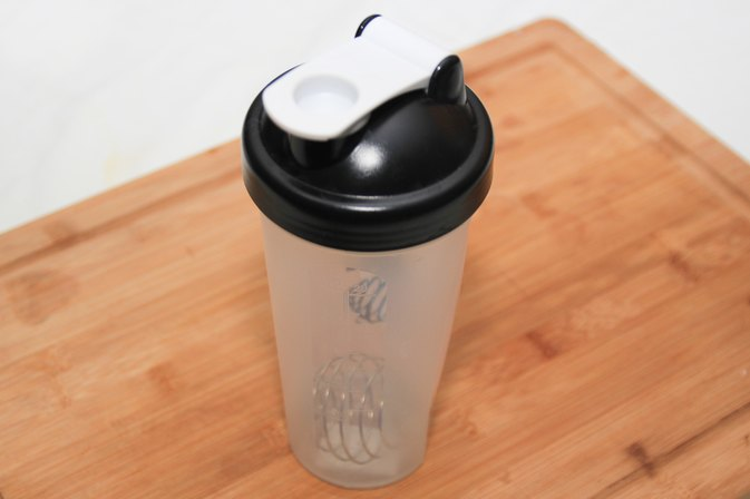 How to Use a Protein Shaker Bottle
