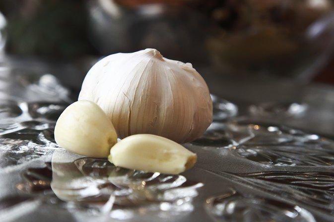 How Do I Roast Pre-Peeled Garlic Cloves?