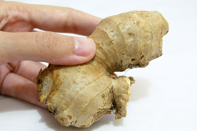 How to Cleanse the Face & Skin With Ginger Root