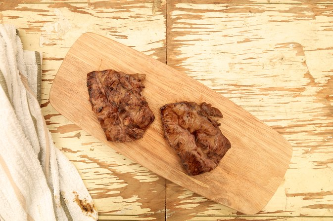 How to Cook a Flatiron Steak in a Frying Pan