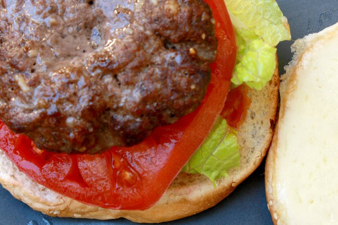 How to Cook Hamburgers in a Convection Oven