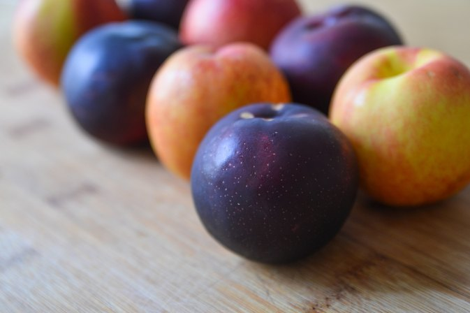 How to Freeze Whole Peaches & Plums