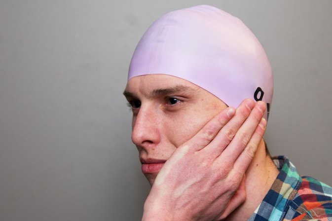 How to Protect Ears With a Swim Cap