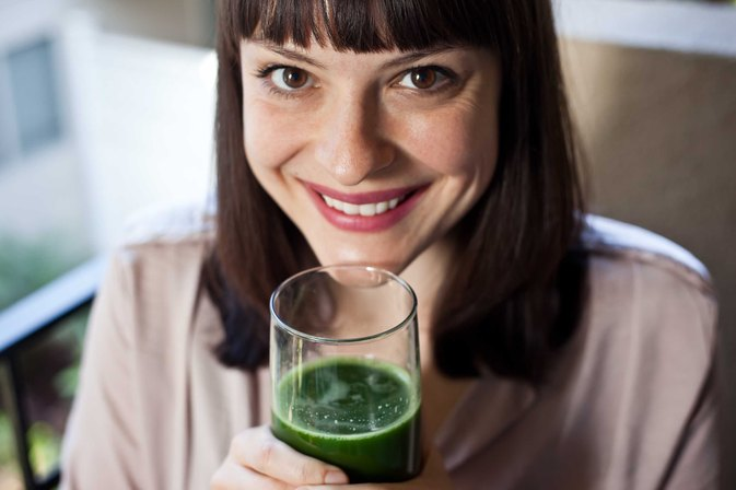How to Juice Kale, Spinach & Cucumber