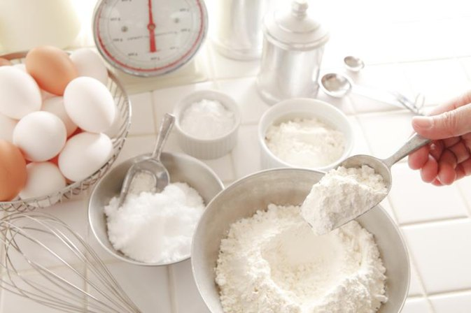 How to Lose Weight by Eliminating Sugar & White Flour