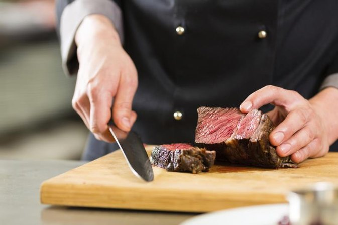 Proper Manners When Cutting a Steak