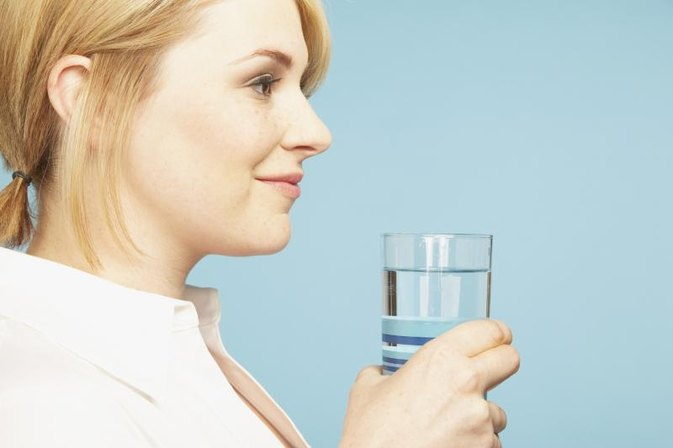 Which Is Better, Drinking Ice Water or Warm Water?