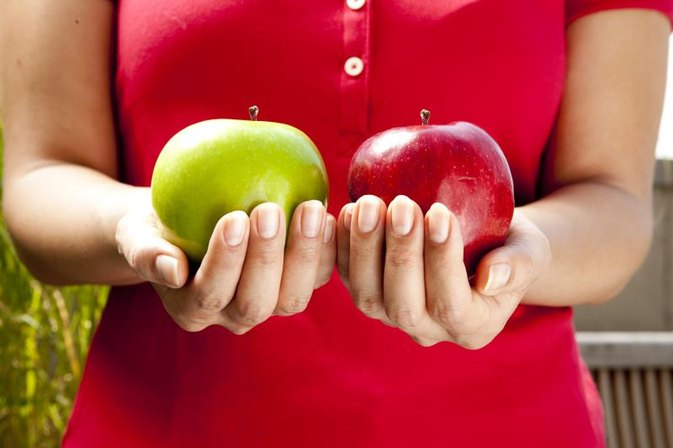 Advantages & Disadvantages of Eating Apples Every Day