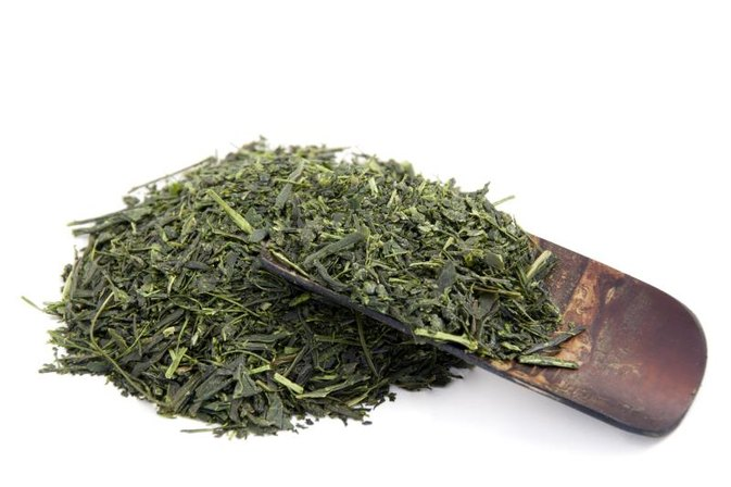 What Are the Benefits of Dried Saluyot Leaves?