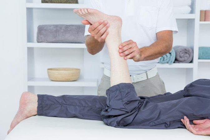 Problems With a Numb Foot After Hip Replacement