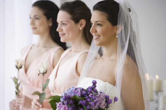 How to Choose a Maid of Honor When You Have Two Best Friends