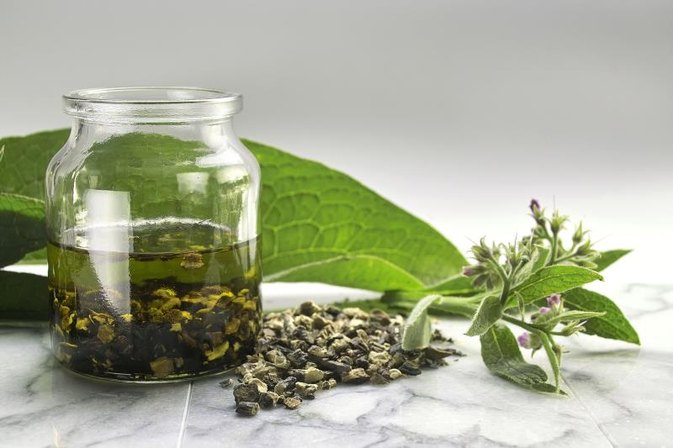 What Is Comfrey Root Extract?