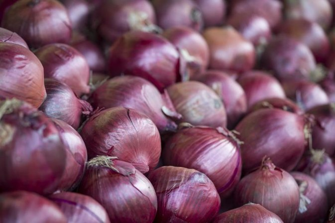 How Many Calories Are in an Onion?