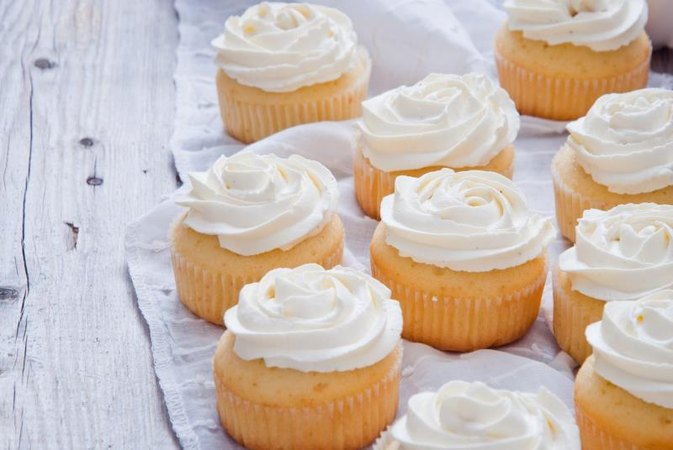 Nutrition of Cupcakes With Vanilla Frosting