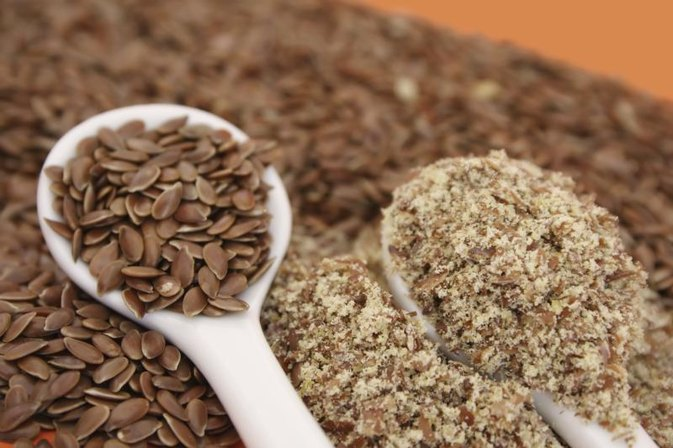 The Benefits of Ground Flaxseeds in Smoothies