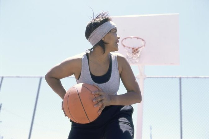 What Are the Positions on a Girls' Basketball Team?