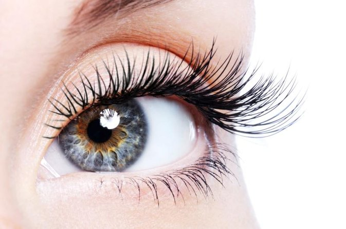 How to Make Eyelashes Grow Longer and Thicker | LIVESTRONG.COM