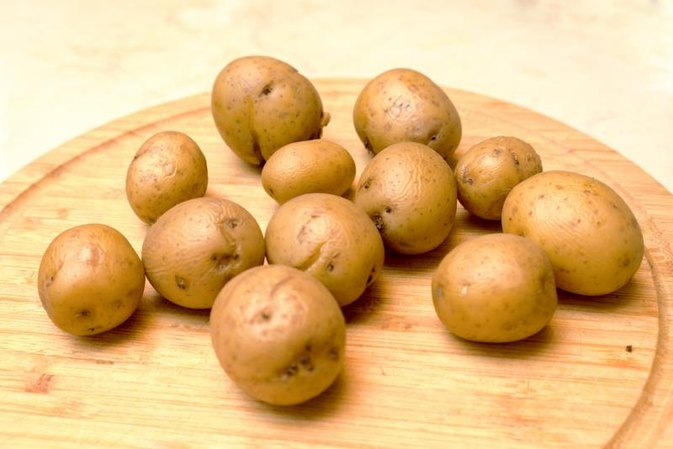 Can You Use Raw Potatoes for Dark Circles Around the Eyes?