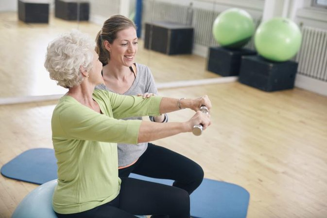 Exercises to Flatten the Stomach for Senior Citizens