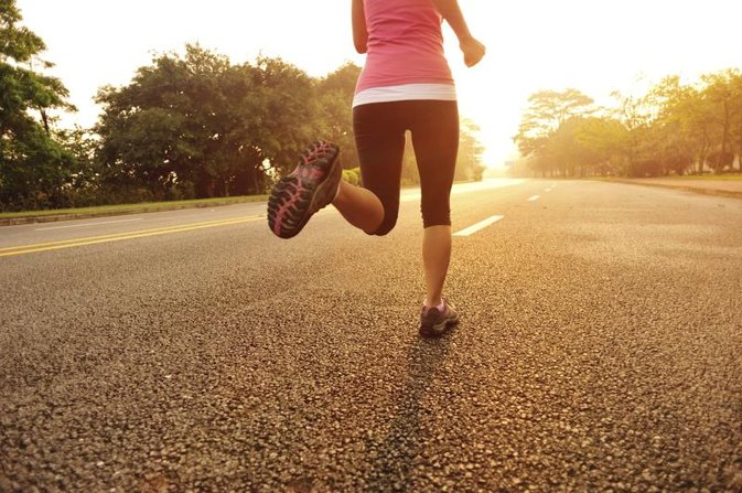 Does Running One Mile a Day Help Lose Weight in the Thighs?