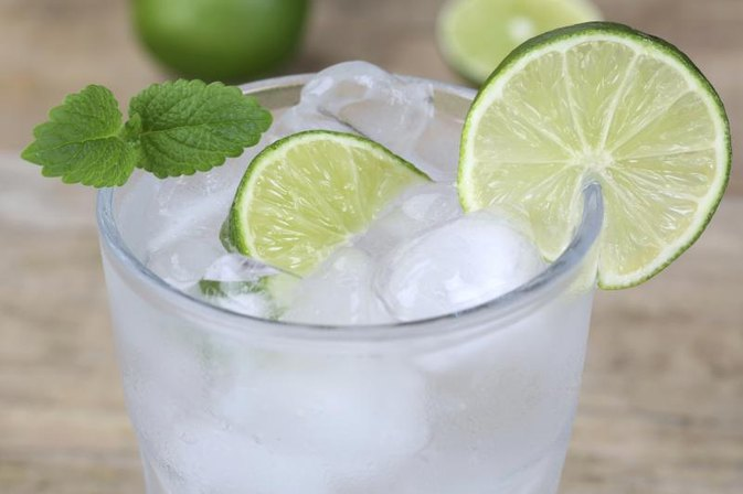 What Are the Benefits of Lime Juice in Water?