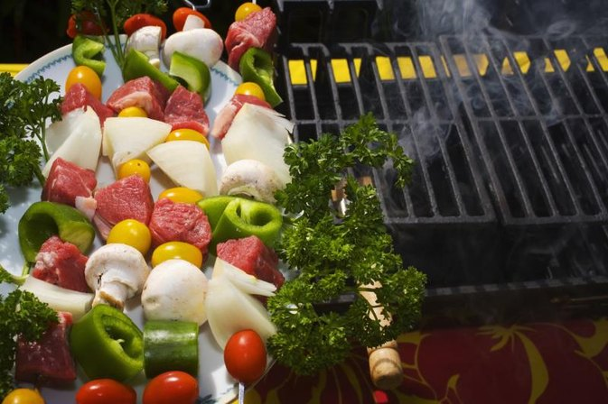 How to Cook Vegetables in an Electric Smoker