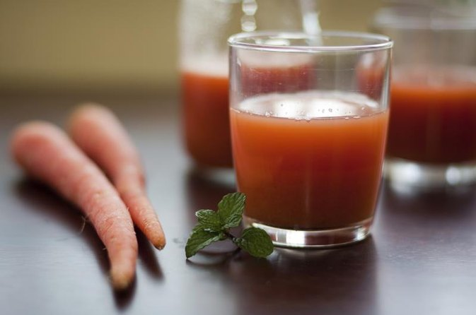 Is it Better to Drink Carrot Juice or Eat Whole Carrots?