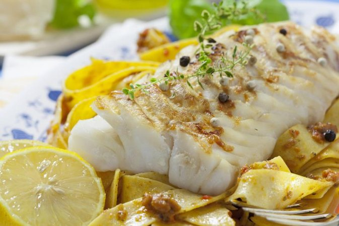 How to Steam Cod Fillets in an Electric Steamer
