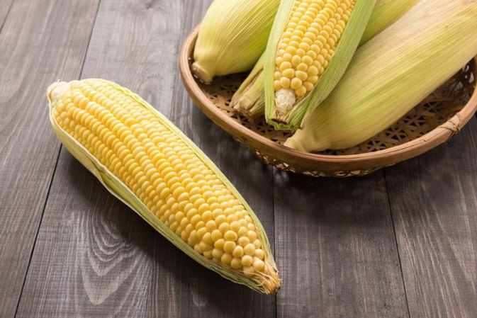 What Kind of Carbohydrates Are in Corn?