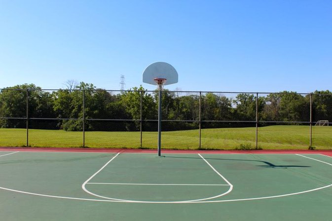 Half court basketball rules livestrong com for How much to make a basketball court