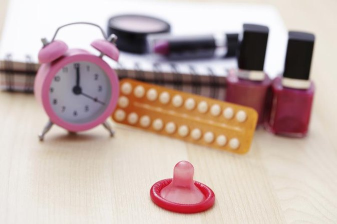 Pros & Cons of Condoms as a Contraceptive