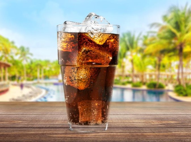 the health effects of soft drinks consumption essay Influences on consumption of soft drinks and fast foods in adolescents elizabeth denney-wilson phd 1,  consumption may adversely affect health: a recent meta.