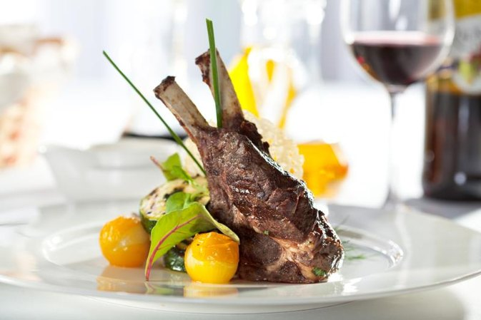How to Cook a Rack of Lamb in the Oven