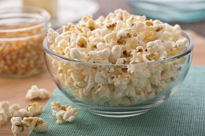 Why Is Buttered Popcorn an Unhealthy Food?
