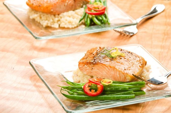 How Many Calories Are in Grilled or Baked Salmon Steak?