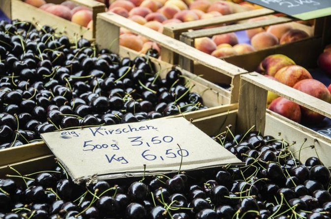 What Is the Nutritional Value of Black Cherries?