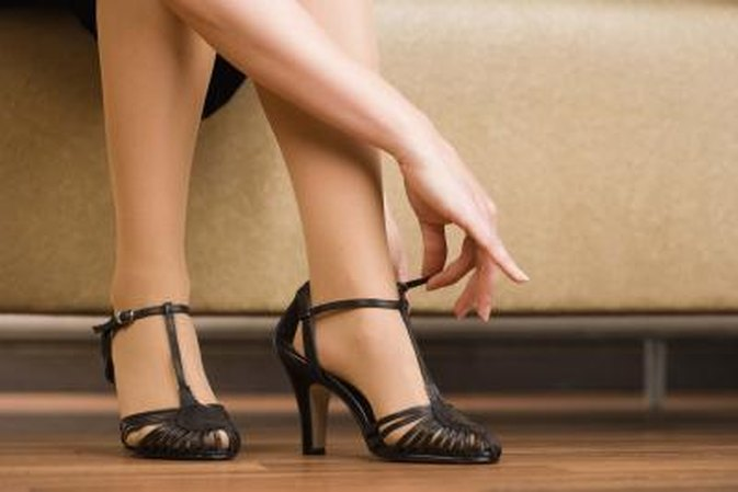 How to Fix the Bottom of the High Heels When They Wear Out