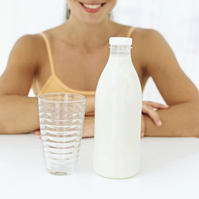 Can You Take a Multivitamin With Milk?