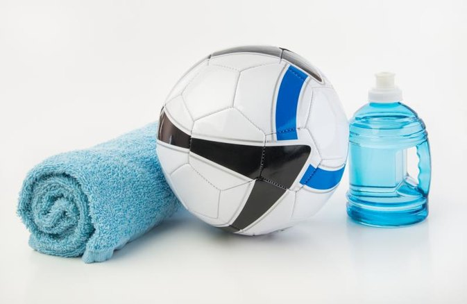 How Much Water Should You Drink to Hydrate for a Soccer Match?